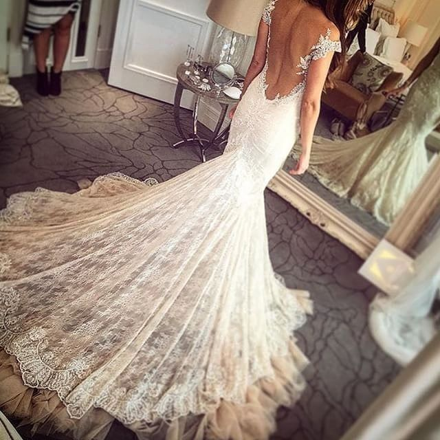 Gorgeous Backless Lace Wedding Dresses