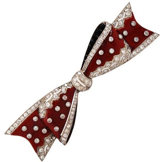 France  1924  A rare Art Deco Van Cleef & Arpels red and black enamel diamond set bow