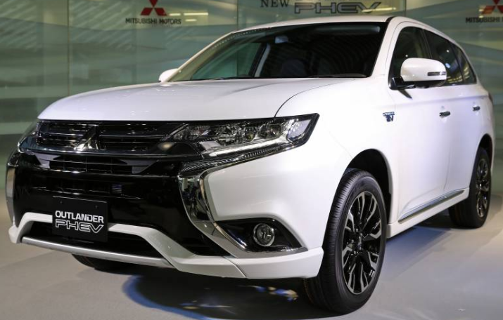 2020 Mitsubishi Outlander Review Specs And Price As Opposed To The Challenge With The Collection Of Crossover Layout It Is Mainly