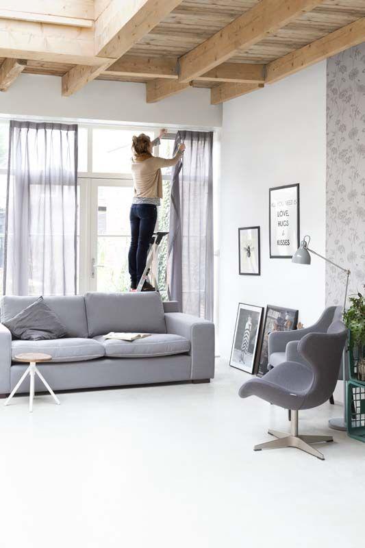 KARWEI | Kies voor rustgevende, zachte grijstinten in de woonkamer ...
