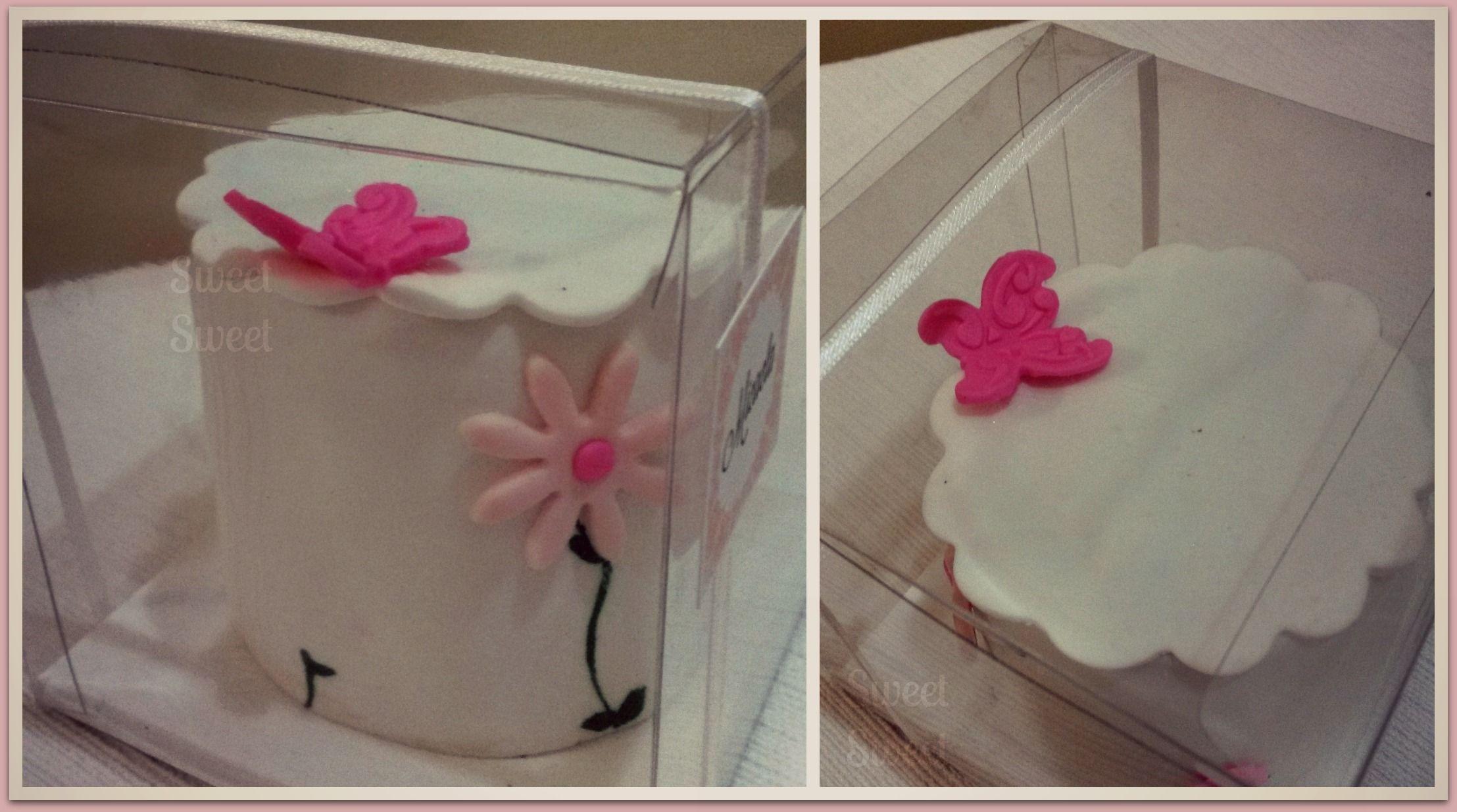 mini cakes para cumple de quince aos fondant flores en pasta de goma y detalles