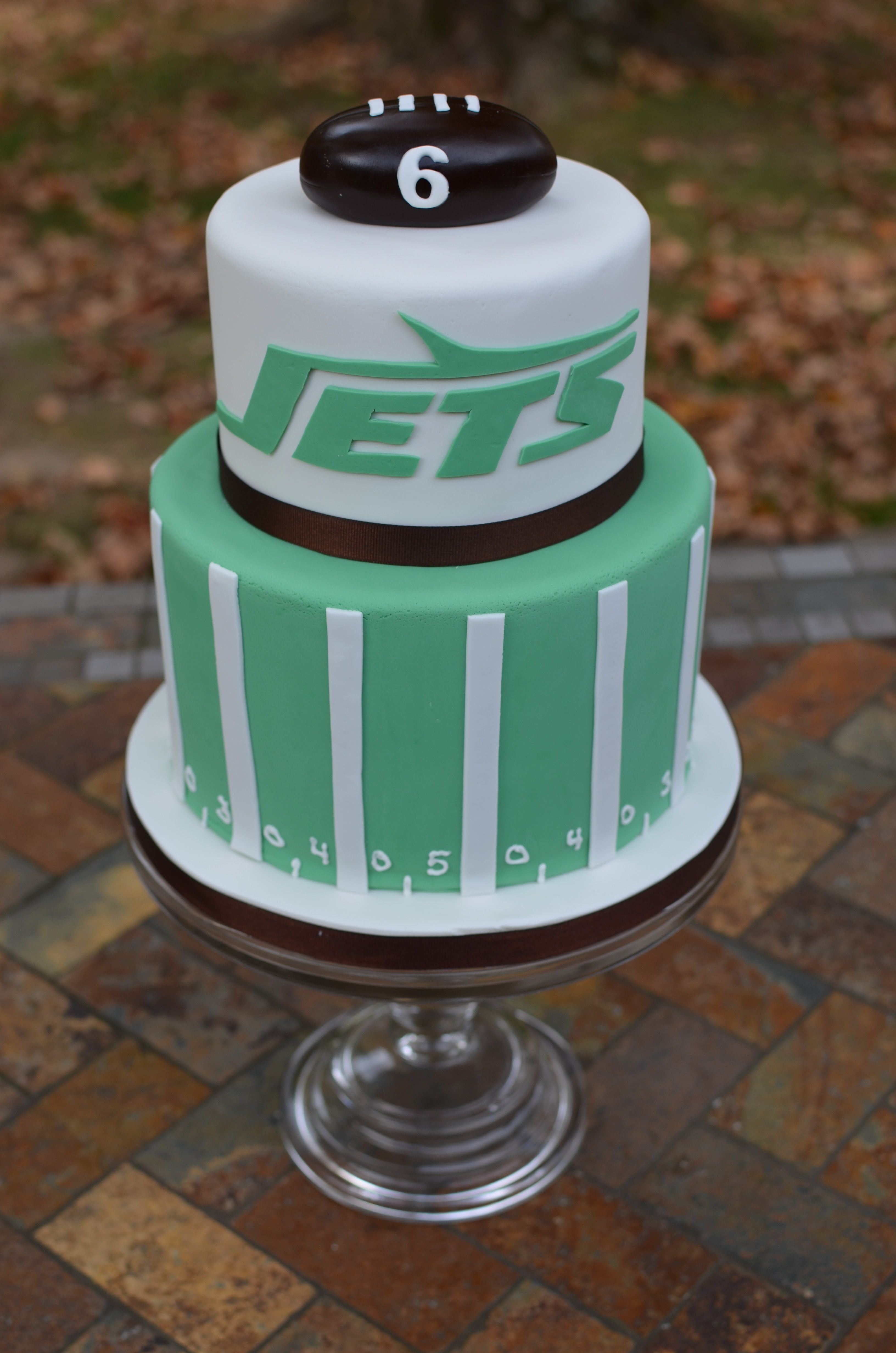 Excellent Ny Jets Football Birthday Cake With Images Jets Football Cake Funny Birthday Cards Online Amentibdeldamsfinfo