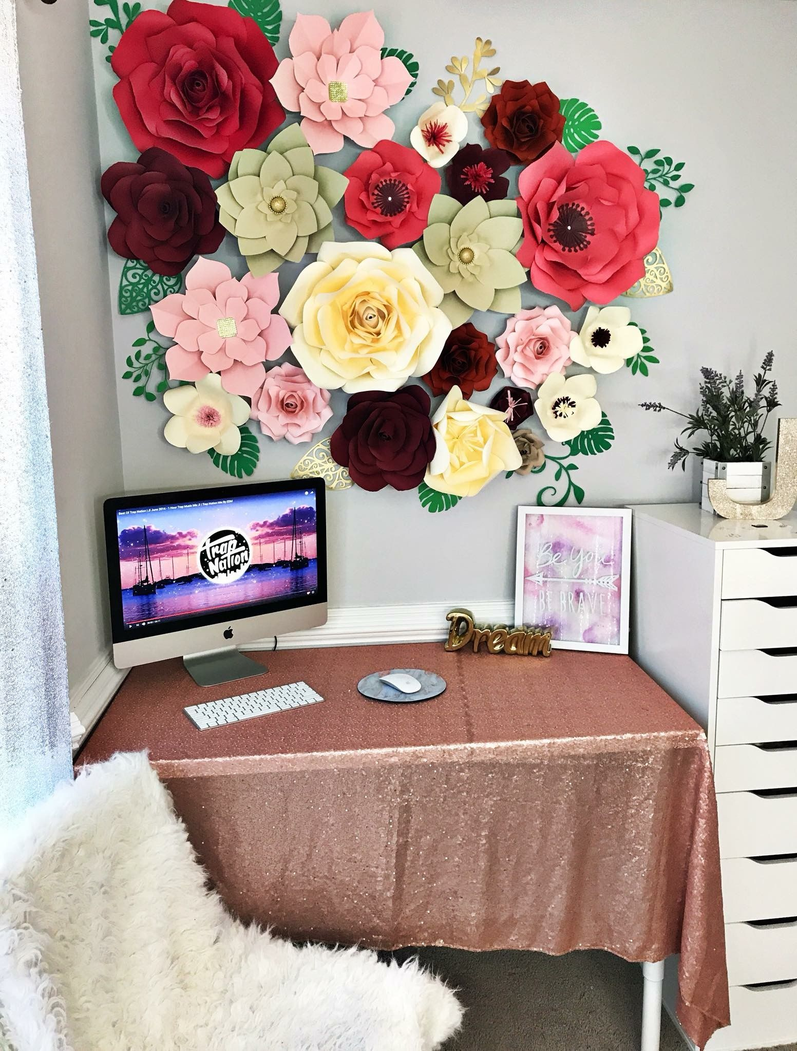 Makeup Room Flower Wall How To Decorate Your Makeup Room With