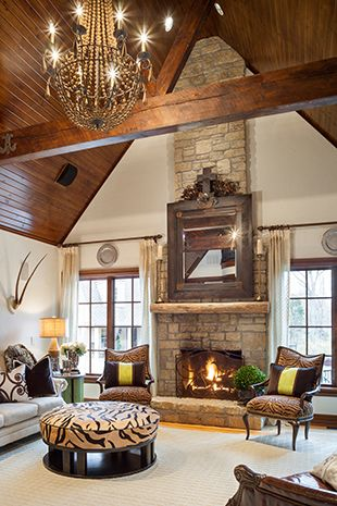 Rustic beamed ceiling, living room / family room / den interior ...