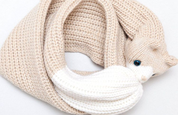 Stay Warm With These Beautiful Knitted Cat Scarves | Petful ...