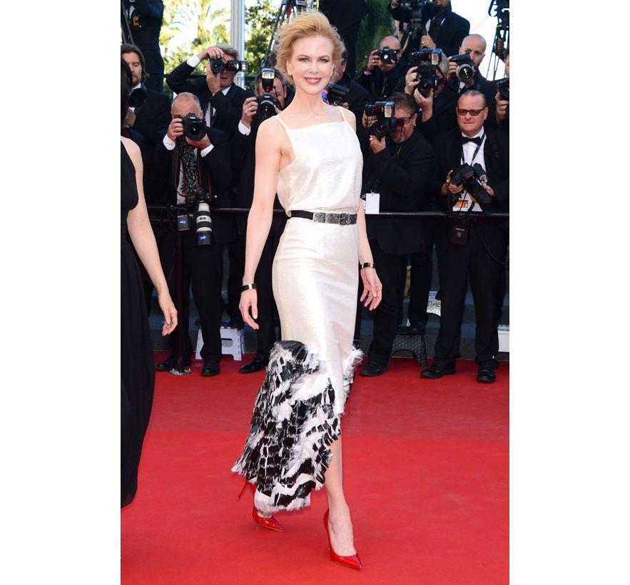Nicole Kidman en Chanel croisière 2014 http://preview.vogue.fr/sorties/on-y-etait/diaporama/la-montee-des-marches-du-film-la-venus-a-la-fourrure-festival-de-cannes-2013-roman-polanski/13491/image/758447#!montee-des-marches-du-film-the-venus-in-fur-nicole-kidman-en-chanel-croisiere-2014