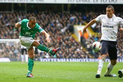 Elliott Bennett scores the winning goal