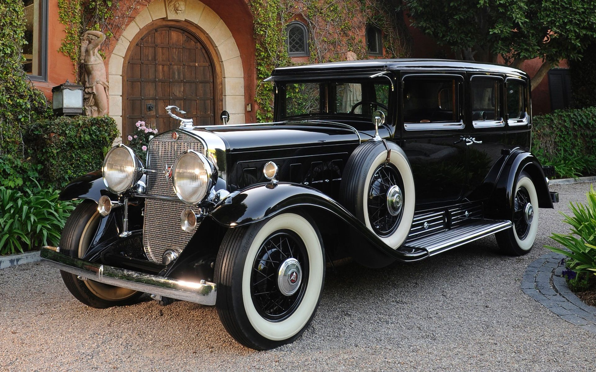 Cadillac V16 452 Armored Imperial Sedan 1930.jpg (1920×1200 ...
