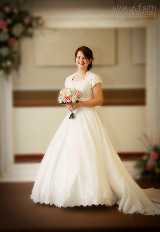 Modest wedding dress simply elegant fort mill sc for Simply elegant wedding dresses
