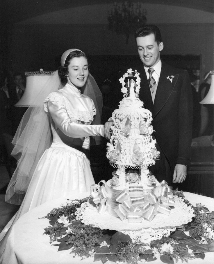 1950s Wedding: Chic Vintage Bride – 1950s Wedding Cake