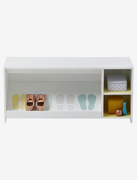 ordnung muss sein deshalb darf auch ein schuhregal f r kinder nicht fehlen mit seiner ablage. Black Bedroom Furniture Sets. Home Design Ideas