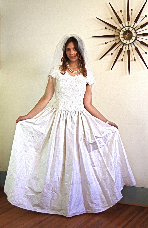 Vintage 60s Modest Wedding Dress Ivory Chantilly Lace