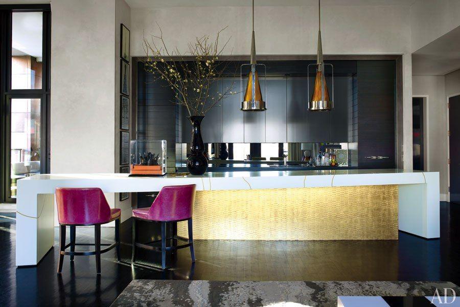 Look Inside Jamie Drake S Ultra Chic New York City Apartment Contemporary Kitchen Contemporary Kitchen Inspiration Sleek Kitchen