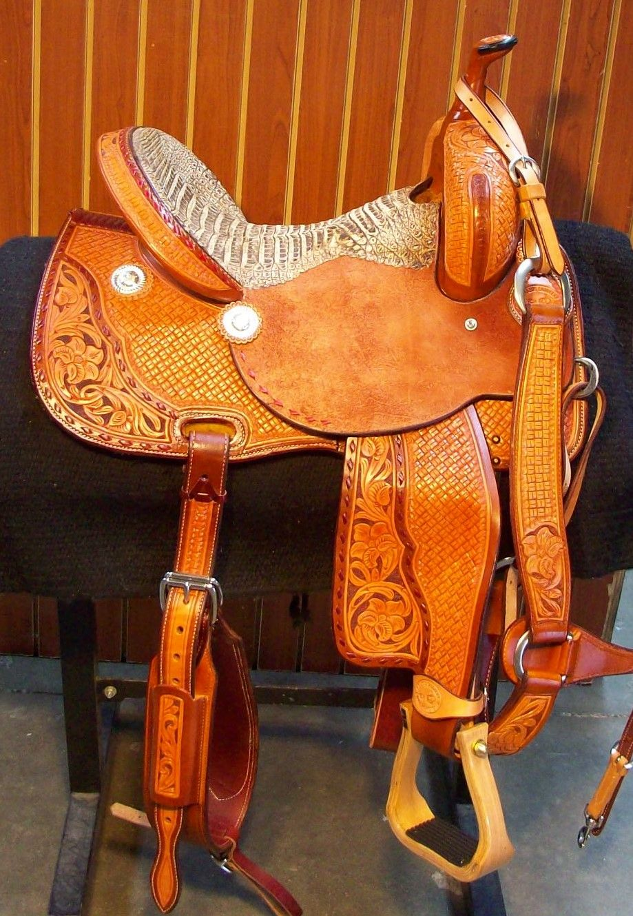 Pin By Country Scene Saddlery On Equine Products Horse Boots Horse Rugs Pony Club
