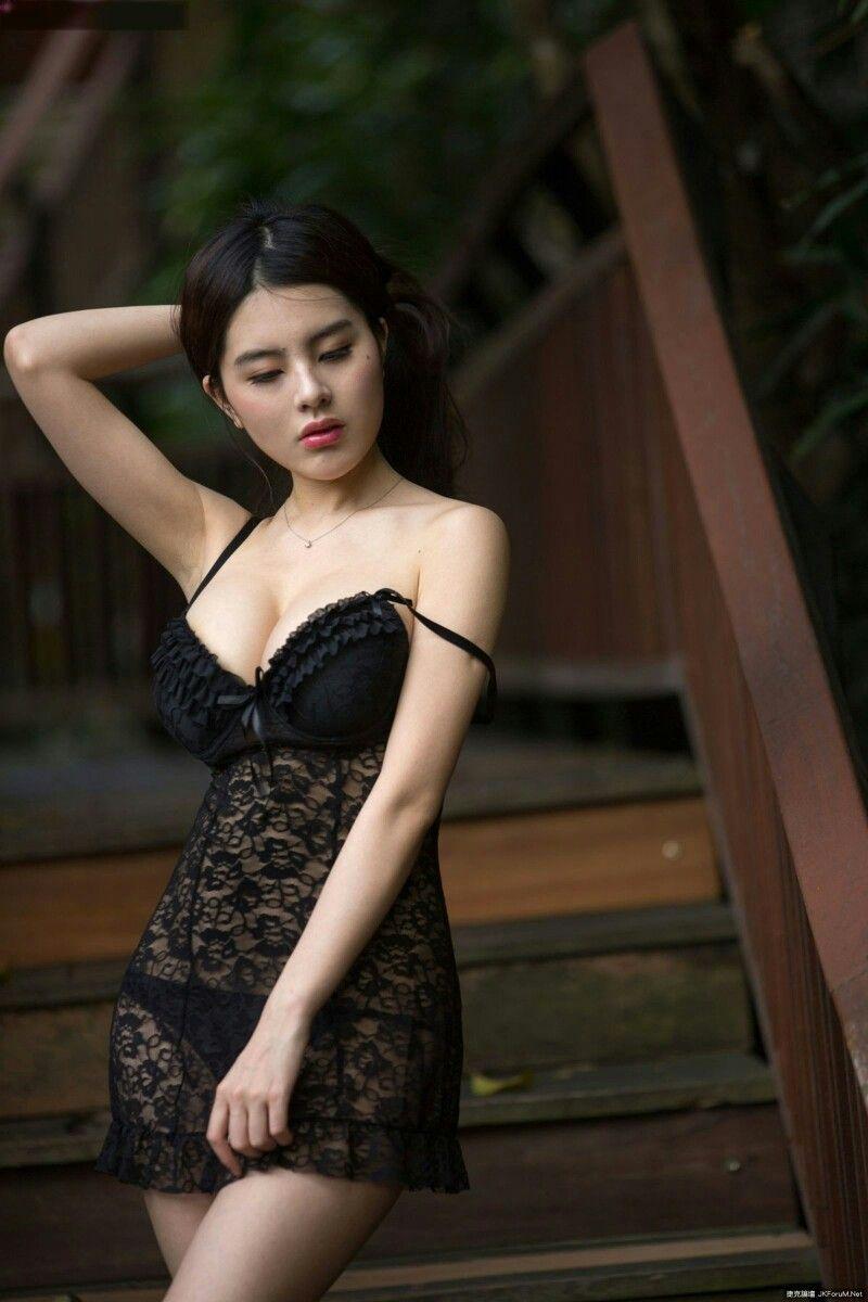 Famous naked girls models #1