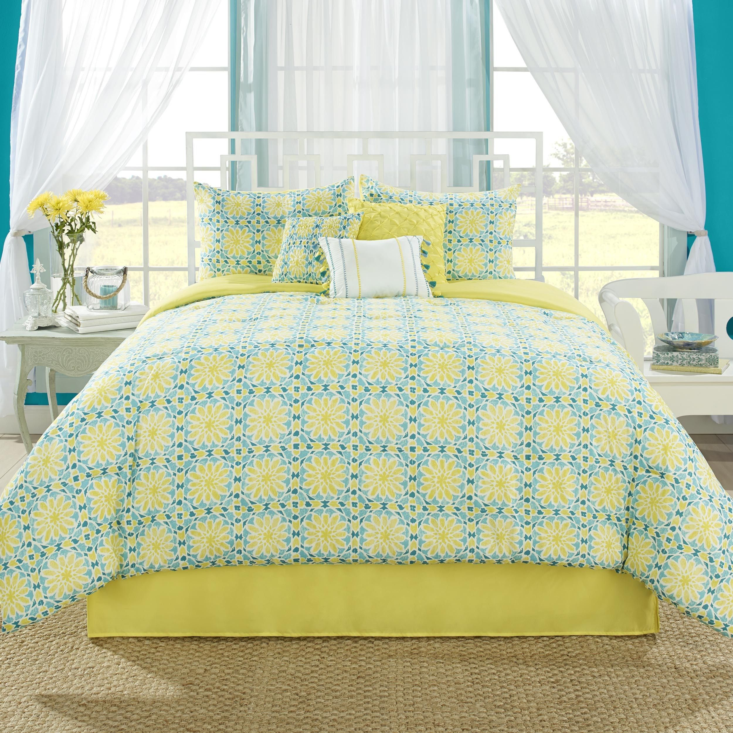 High Quality This Will Add A Pop Of Color To Your Bedroom. Comforter And Shams Feature A