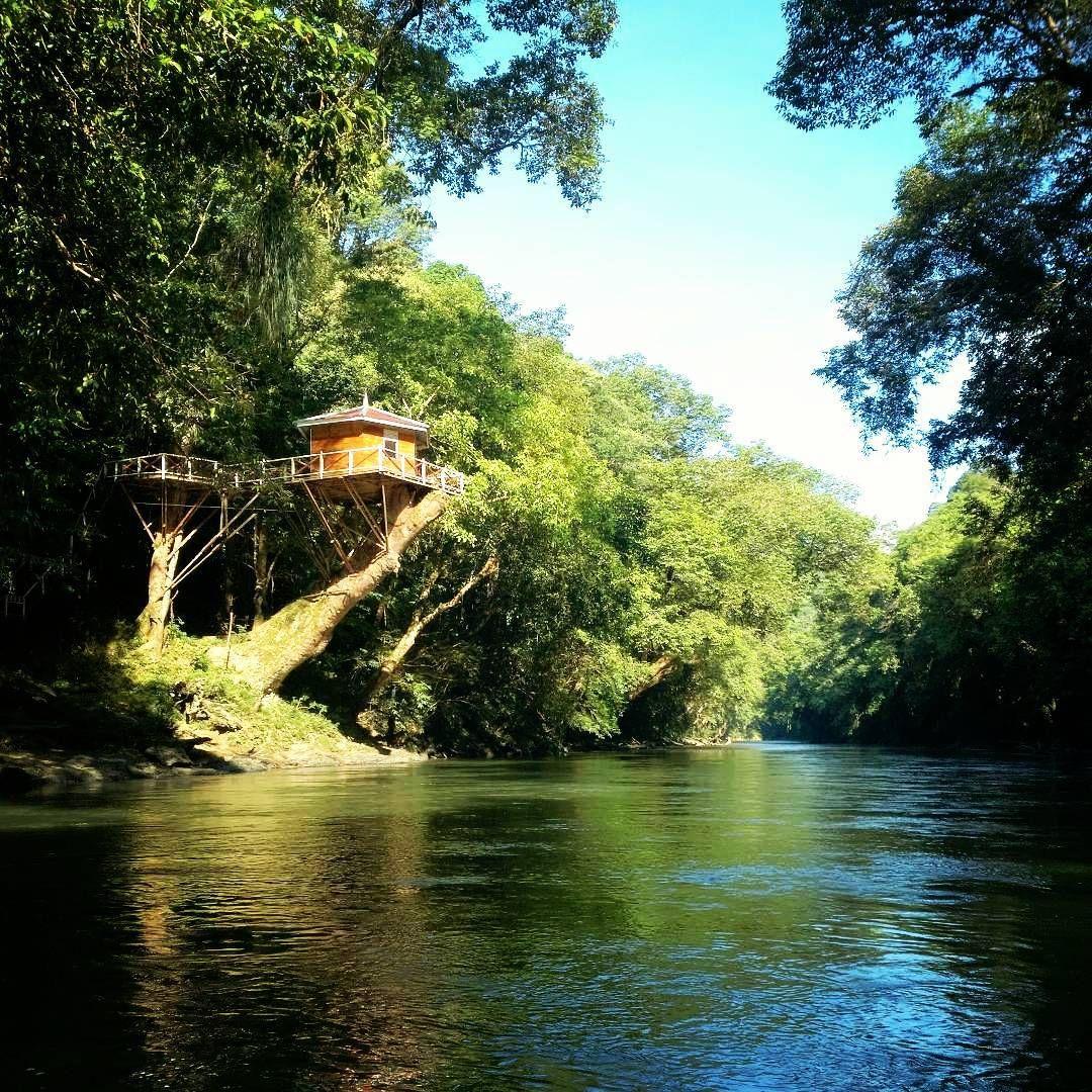 Panduan Tips Pergi Liburan Ke Putussiabu Putussiabu Merupakan Sebuah Kecamatan Yang Ada Di Kabupaten Kapuas Hulu Kal Di 2020 Perjalanan Darat Liburan Taman Nasional