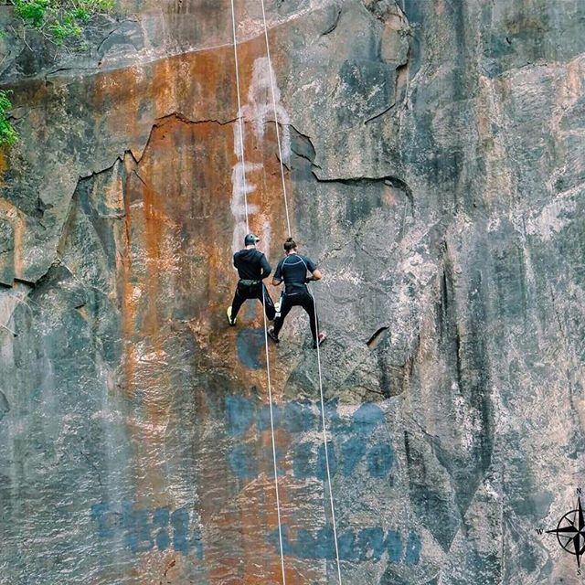 Aventure + Rapel: pura adrenalina!  #aventure #ecoturismo #profissaoaventura #aventura #rapel #esporteradical #adventure #aventureiros #perfectday #adrenalina #adrenalinapura #londrinando #lifestyle