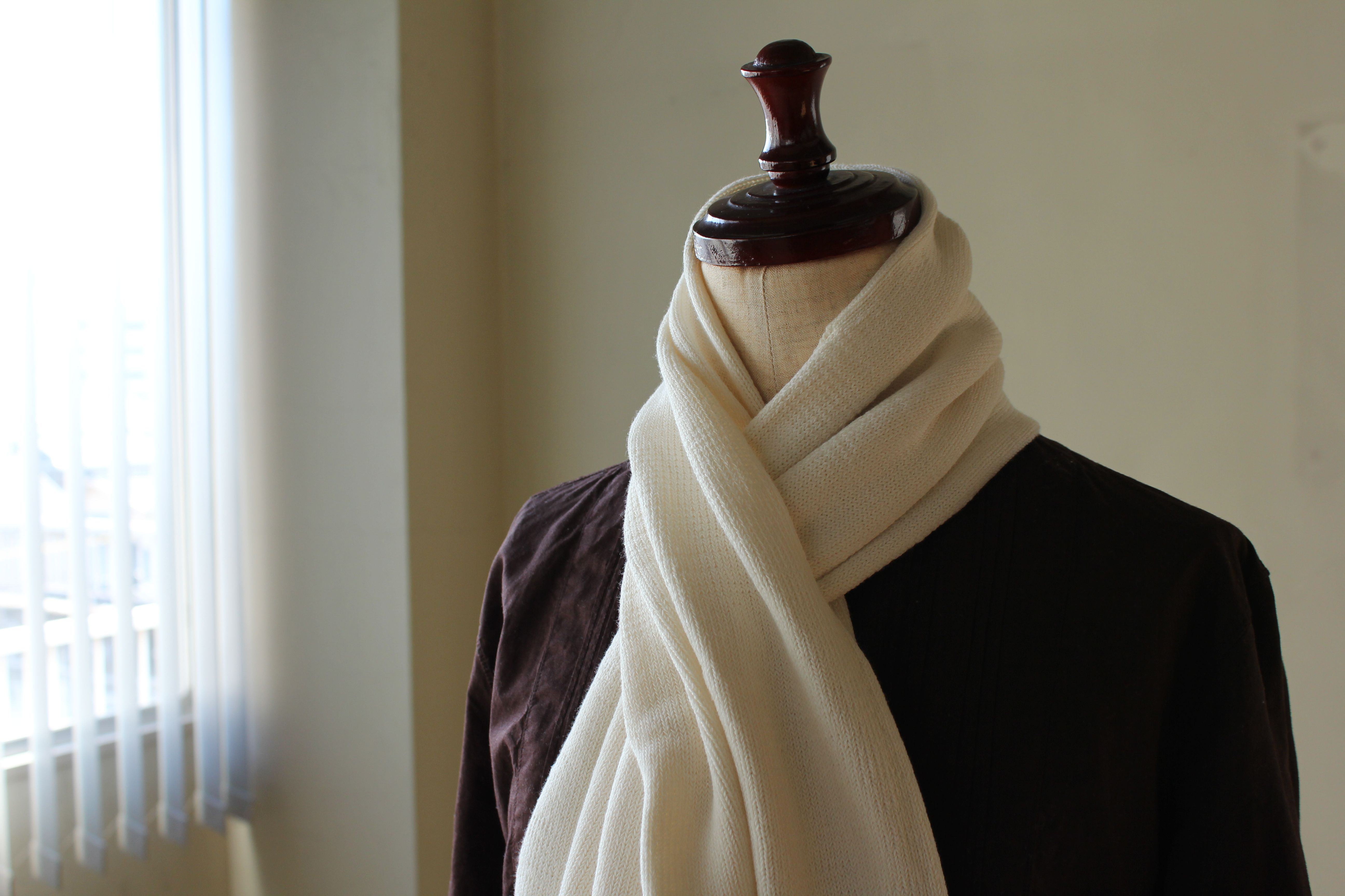 Wholegarment 生成りのマフラー Fashion Knitted Knitted Scarf