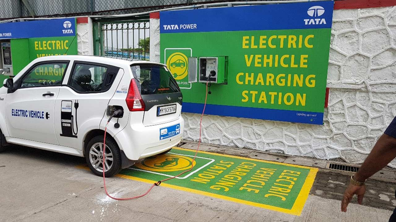 Tata Has Launched Its First Electric Vehicle Charging Station In Mumbai The Facility Is Located At Receiving Vikhroli