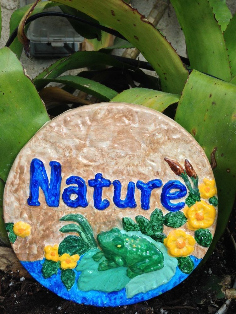 Handcrafted wall plaque/frog/nature/flowers/indoor/outdoors/hanging