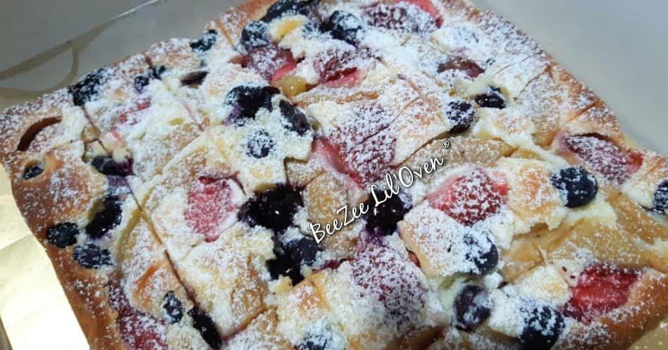 Fruit Pastry Cake Sourcream Fruit Cake Beezeeliloven Fruitpastrycake Sourcreamcake Fruitbuttercake Kaja Sour Cream Cake Fruit Pastries Pastry Cake