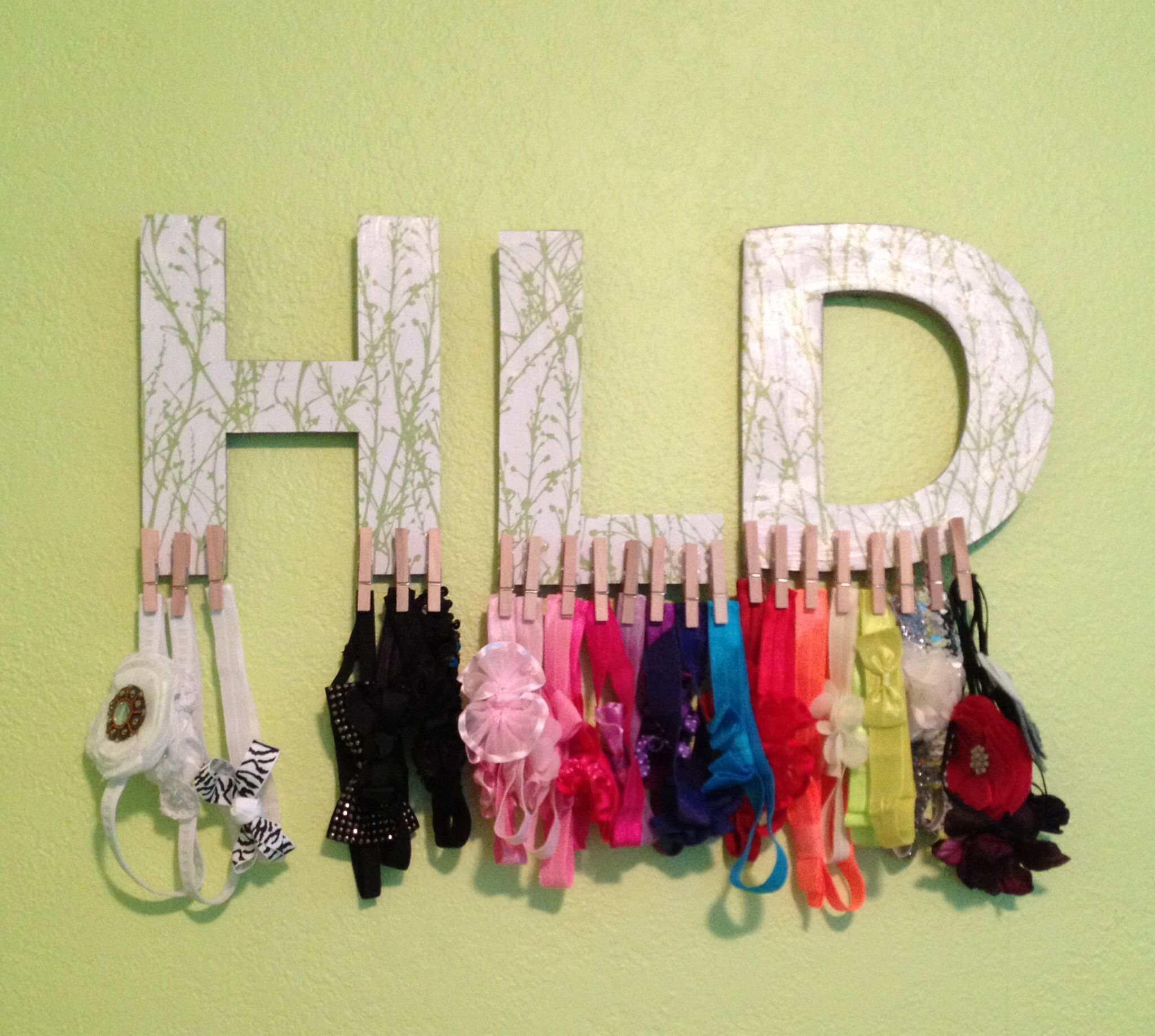Made this for Harlow's headbands. She has a few :)