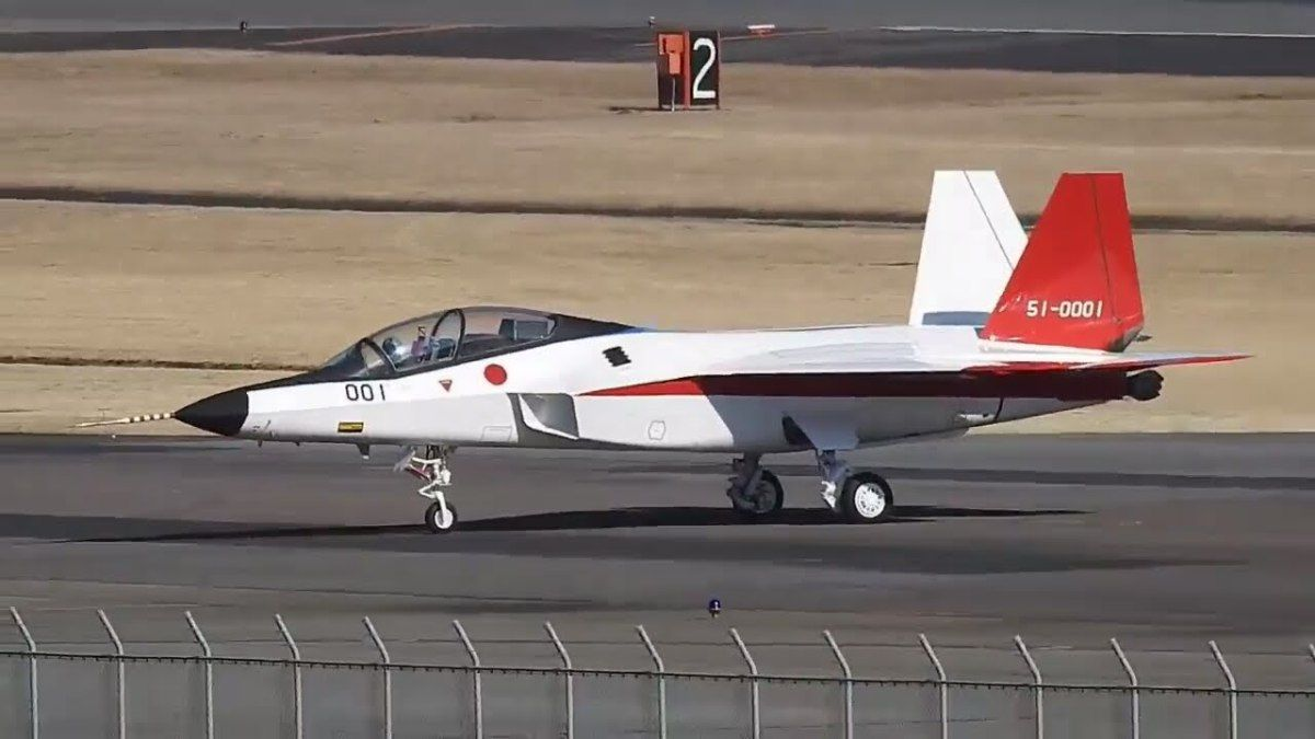 Japan's X-2 performs a full military thrust takeoff run – Video