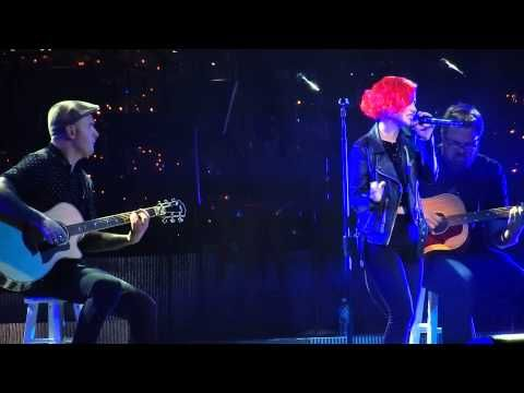 Hayley Williams of Paramore - Blue Christmas Dec 20 2014 Nashville ...