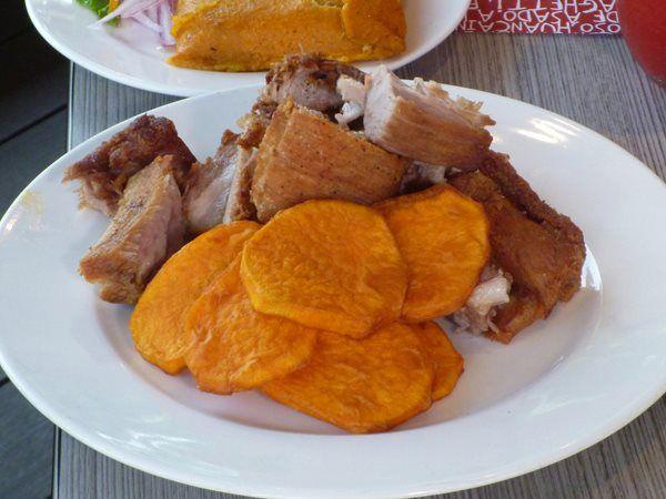 Chicharron con camote frito | Comida Peruana - Peruvian ...