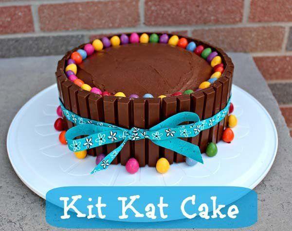 Tarta de chocolate y kit kat tortas para ni os for Decoracion de tortas faciles