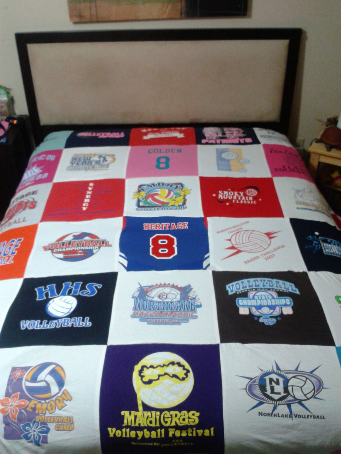 T Shirt Blanket 100 00 Via Etsy Tee Shirt Quilt Tshirt Blanket T Shirt Diy