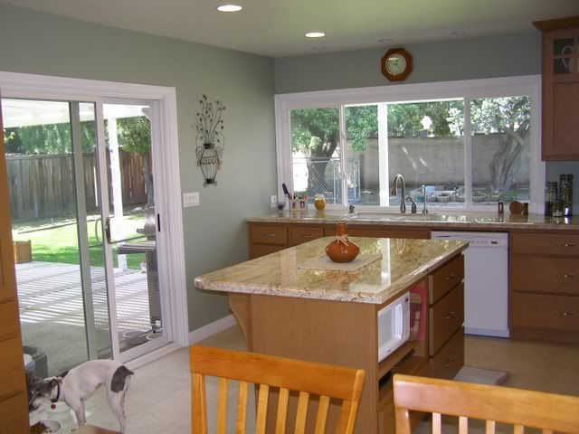 Pin By Nicole Eubanks On Kitchen Oak Cabinets Kitchen Wall Colors Kitchen Paint Colors