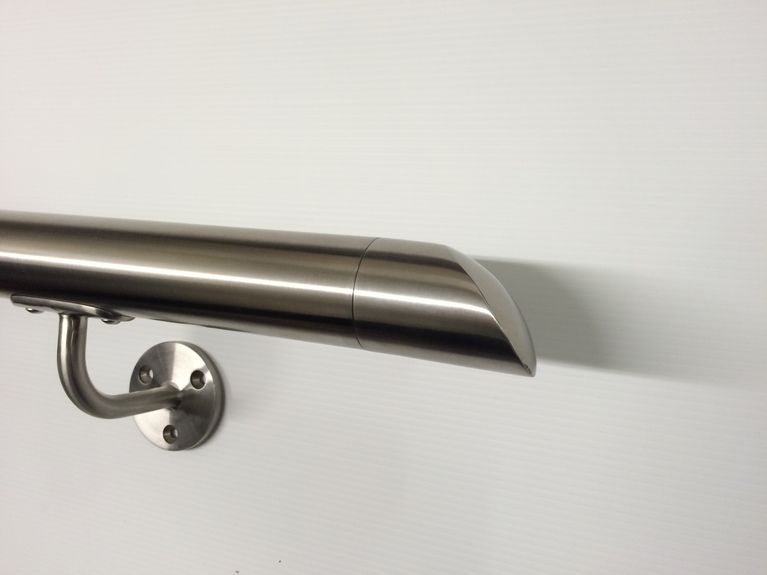Best Tubular Handrail With Angled End Cap 400 x 300