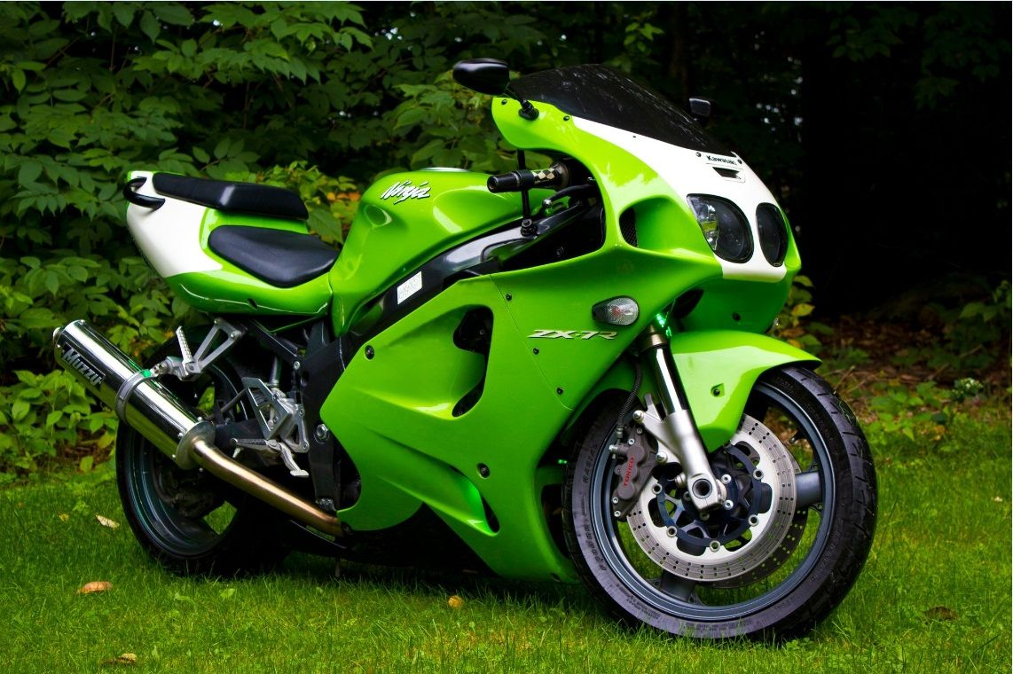 Pin By Laura H On Motorcycles Kawasaki Zx7r Cars Motorcycles
