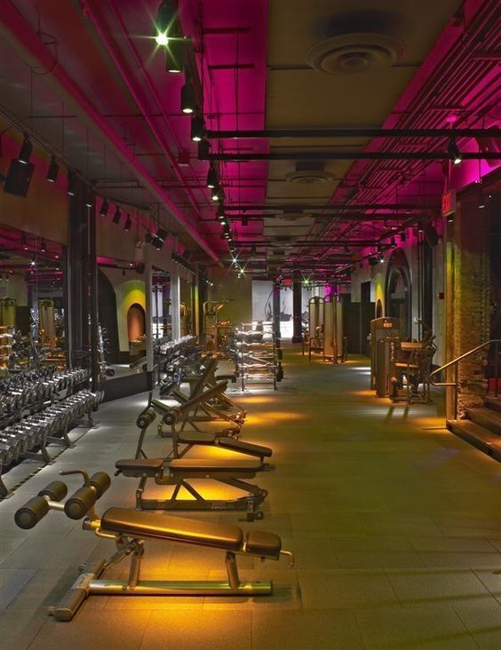 Cool looking gym design cool gyms pinterest for Mundo fitness gym