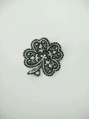 Trebol negro   tattoo   Pinterest   Lebensbaum y Baum