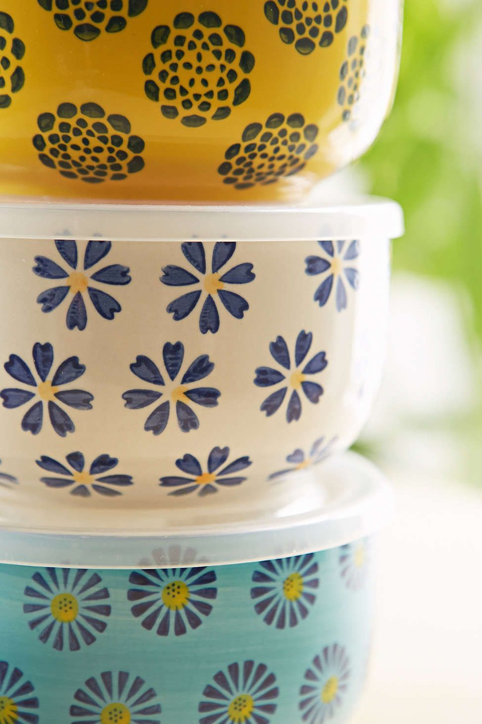 microwavable ceramic bowl with lid