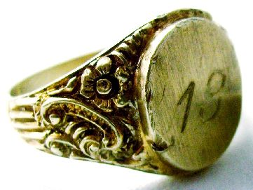 Golden Ring, weight - 9 grams..   Metal Detector: Minelab Explorer Search coil: NEL Sharpshooter
