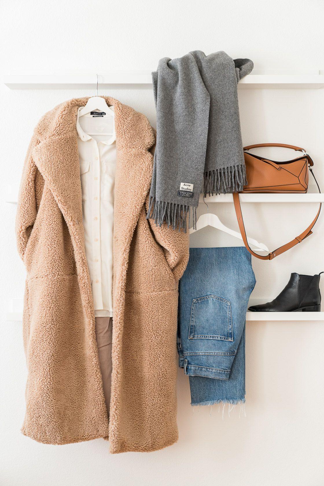 10 minimalistische Winteroutfits gestylt mit nur 10 Teilen