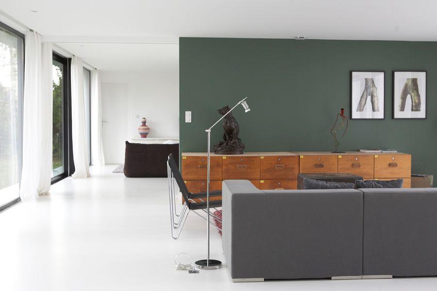 mur vert olive , canapé gris , canapé togo | Mur vert, Murs ...