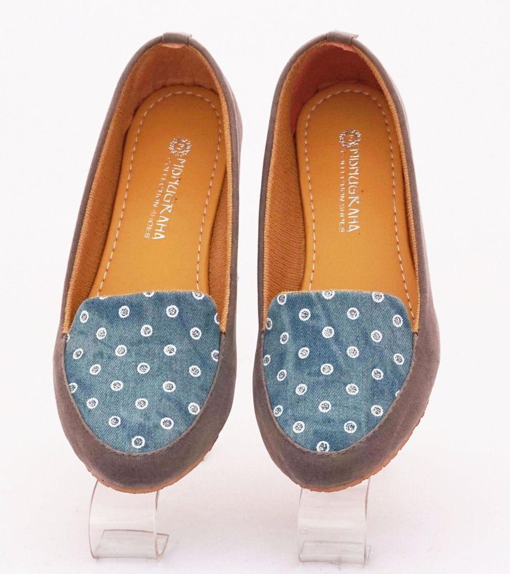 Sepatu Flat Motif Cantik Warna Abu Bahan Beludru Dan Kanvas