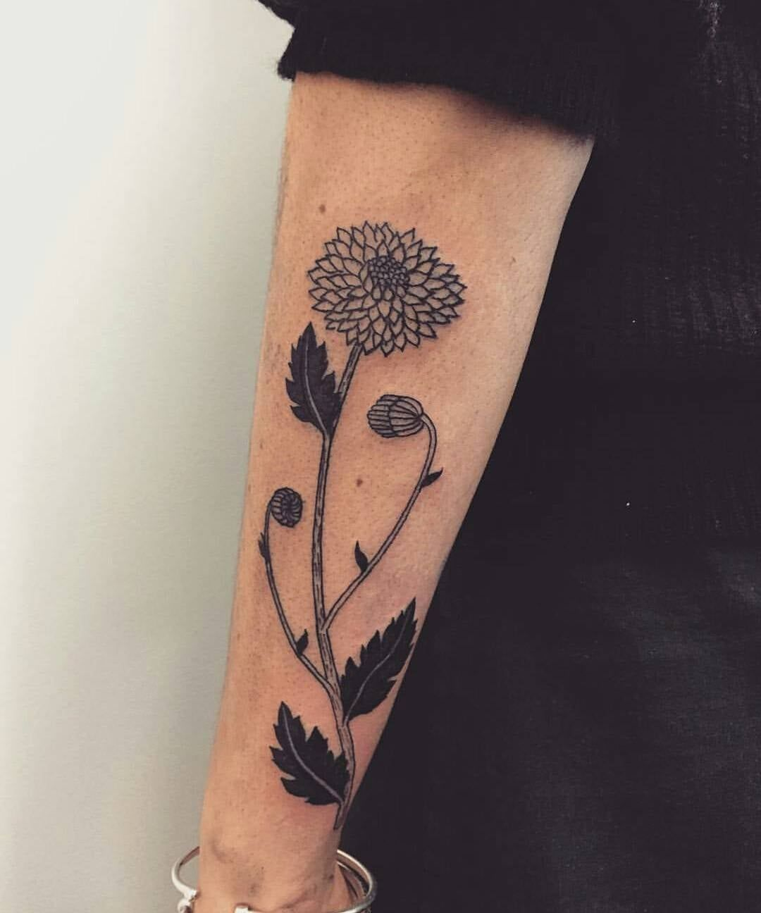 These Birth Flower Tattoos Will Make You Forget About Your Zodiac Sign Birth Flower Tattoos Birth Flowers Tattoos For Women Small Meaningful