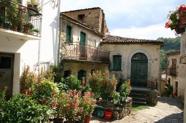 San Costantino Albanese, centro storico