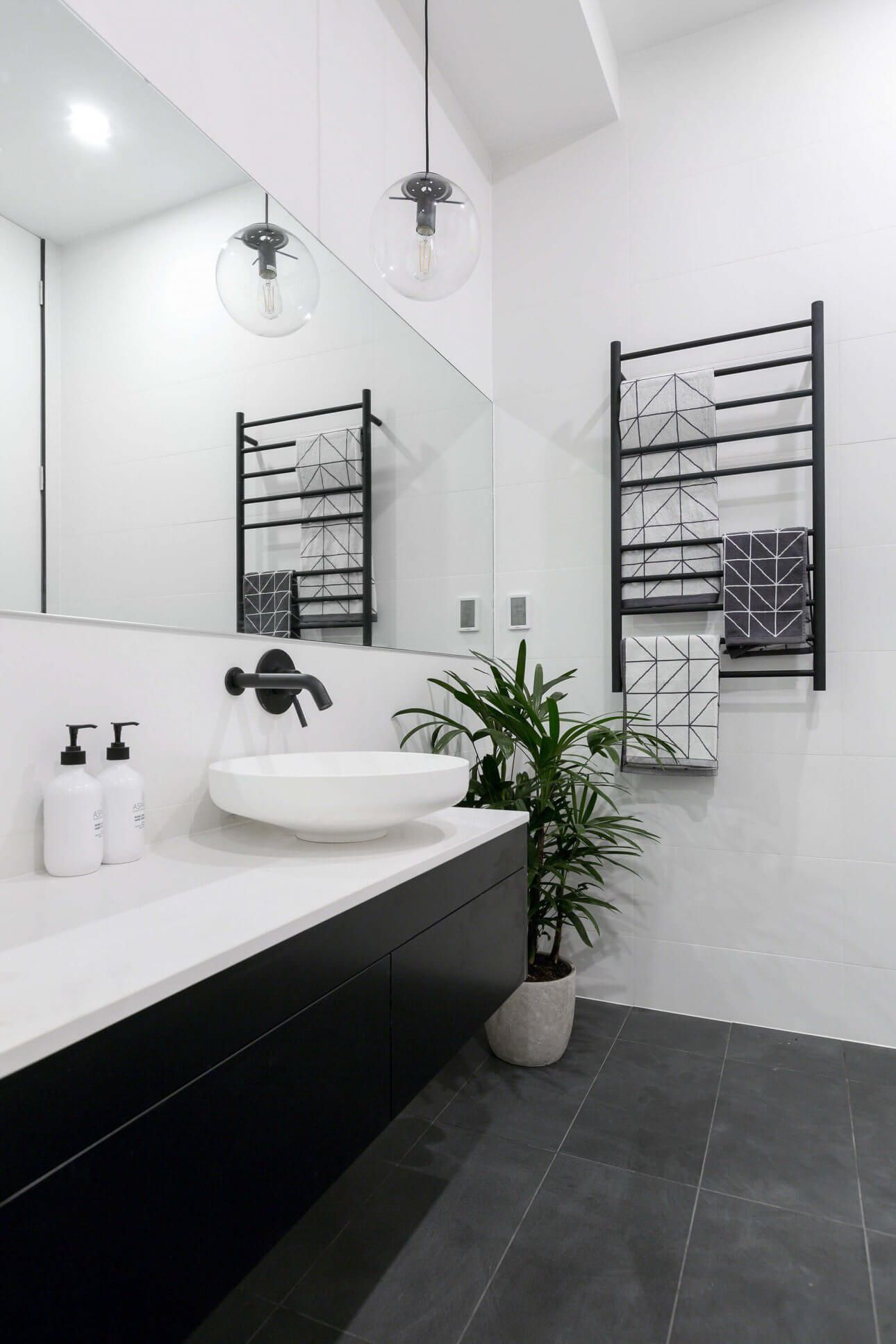 Pin by A N I T A on Bathroom | Pinterest | Black white bathrooms ...