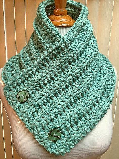 Crochet Neck Warmer, Green Cowl, Green Button Scarf, Green Knit Cowl, Green Crochet Cowl, Button Cowl, Button Neck Warmer, Green Neck Warmer by CozyNCuteCrochet on Etsy