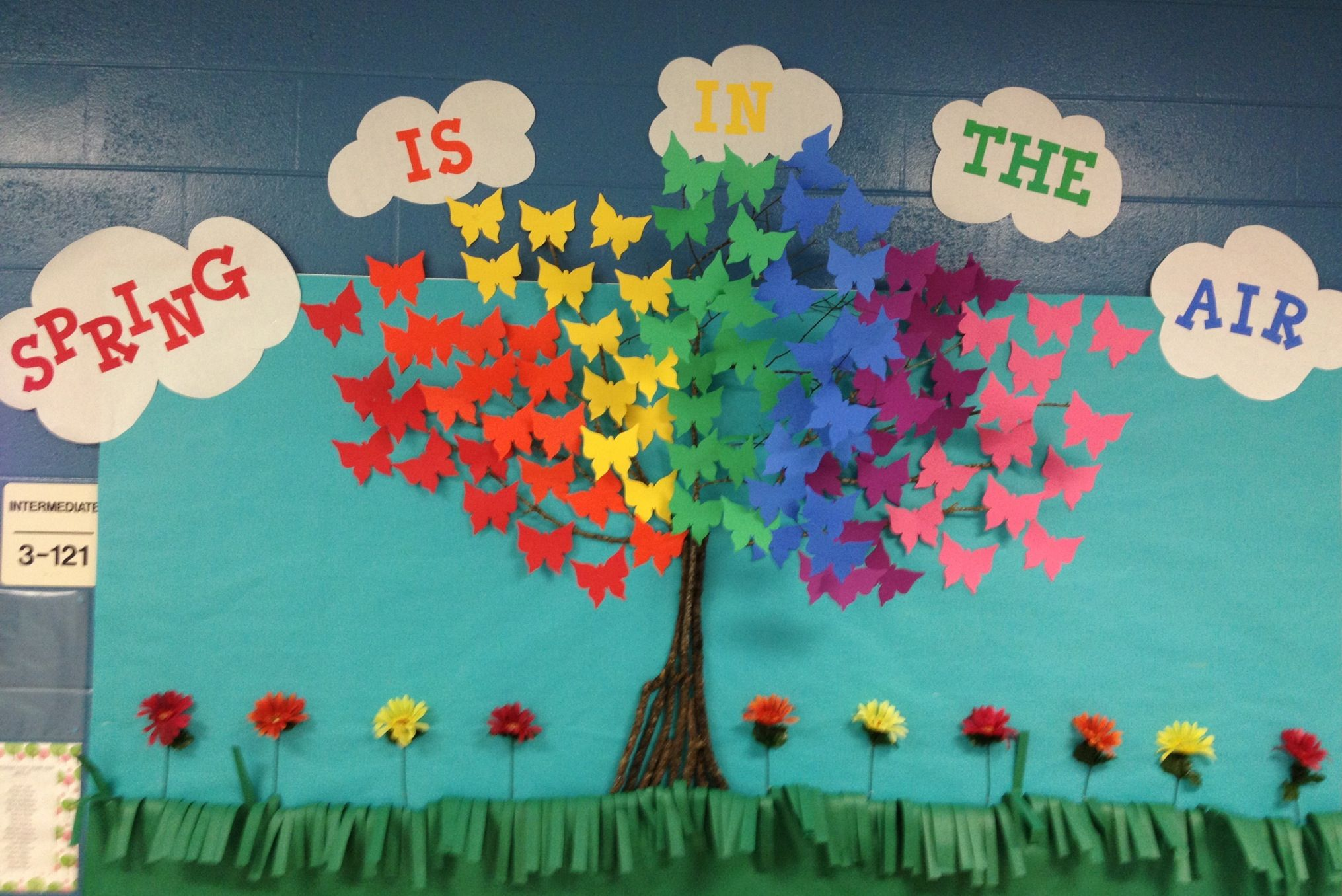 Pin By Jeni Scheid On Things I Ve Made Or Attempted To Spring Bulletin Boards Spring Classroom April Bulletin Boards