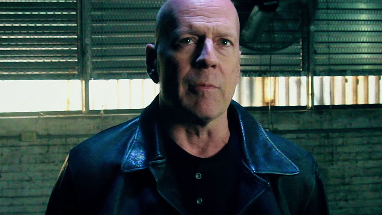 Extraction Film Review Bruce Willis And Kellan Lutz Star In This B Movie Actioner About A Cia Operative Trying To Rescue His Kidna Bruce Willis Film Review Latest Movie Trailers