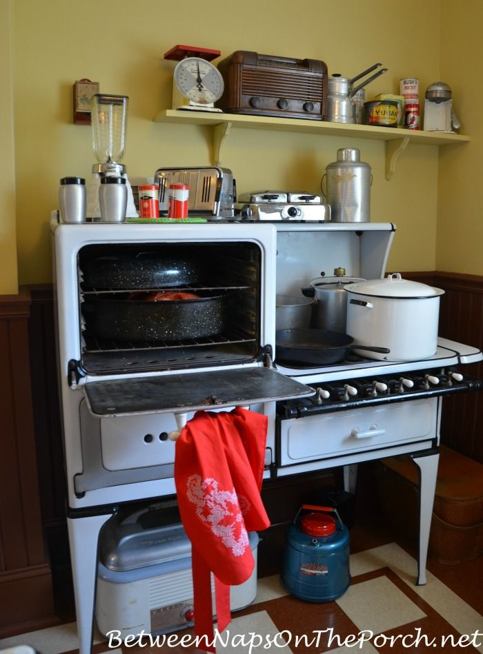 Inside The Kitchen Of A Christmas Story Movie House Christmas Story Movie A Christmas Story Christmas Story House