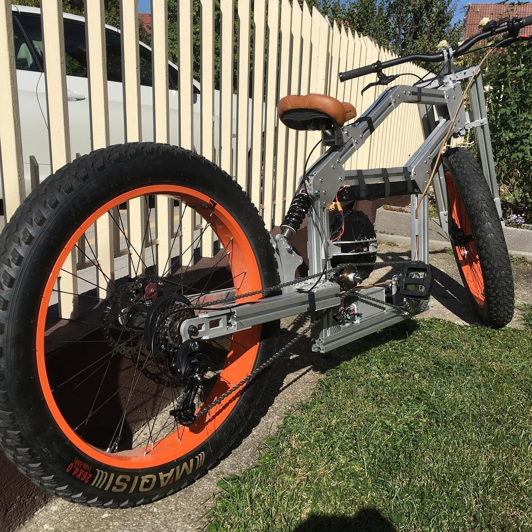 Electric Cruiser And Electric Skateboard Made With Aluminum